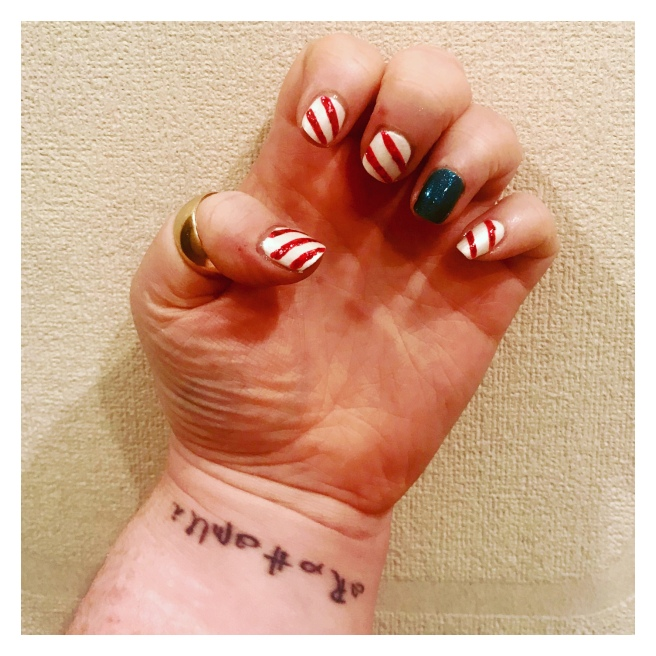 ly h Kerr Xmas nail art