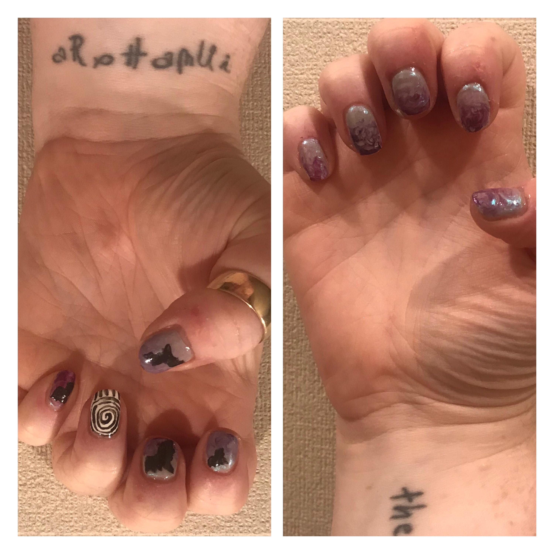 Spiral & bat nail art