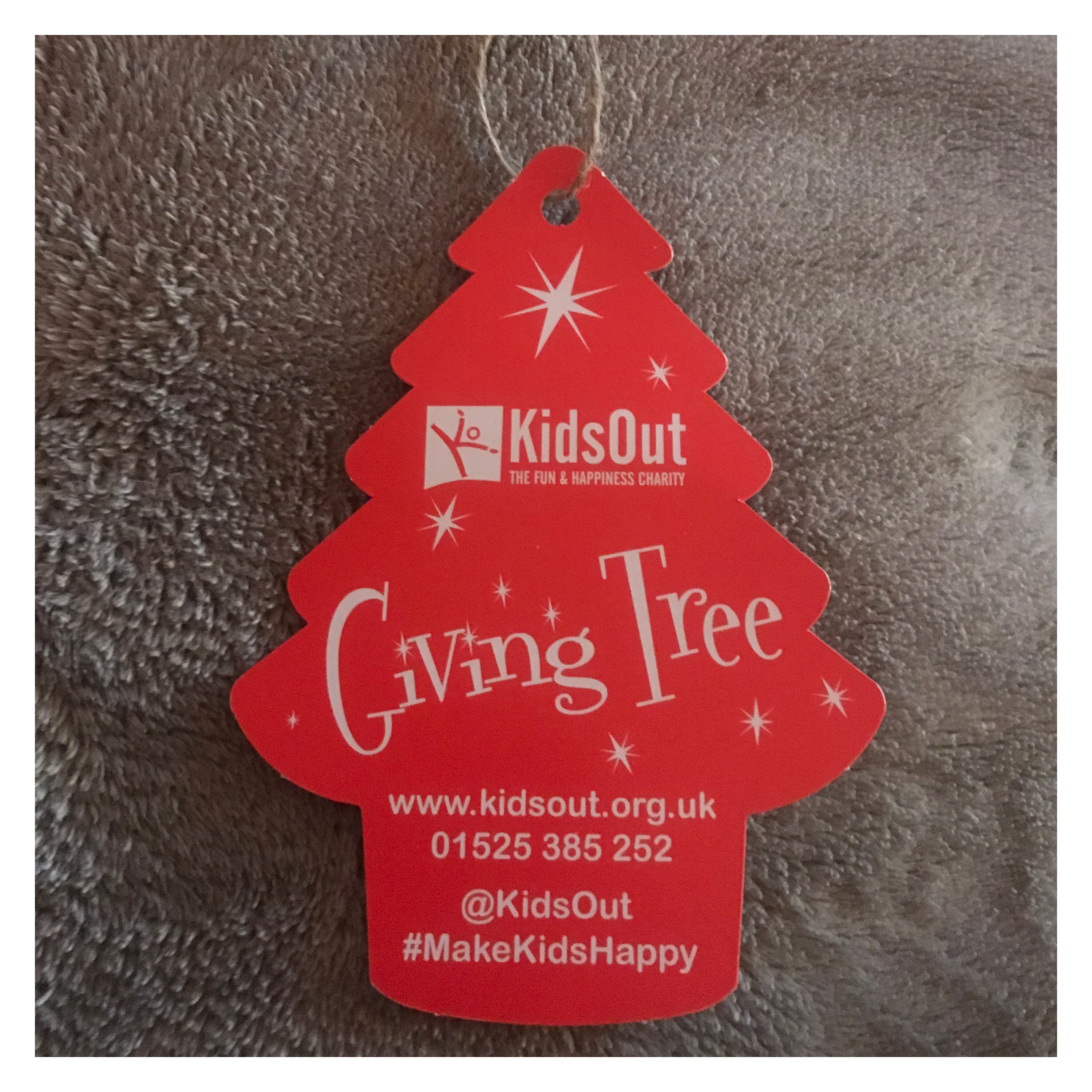Giving tree gift tag