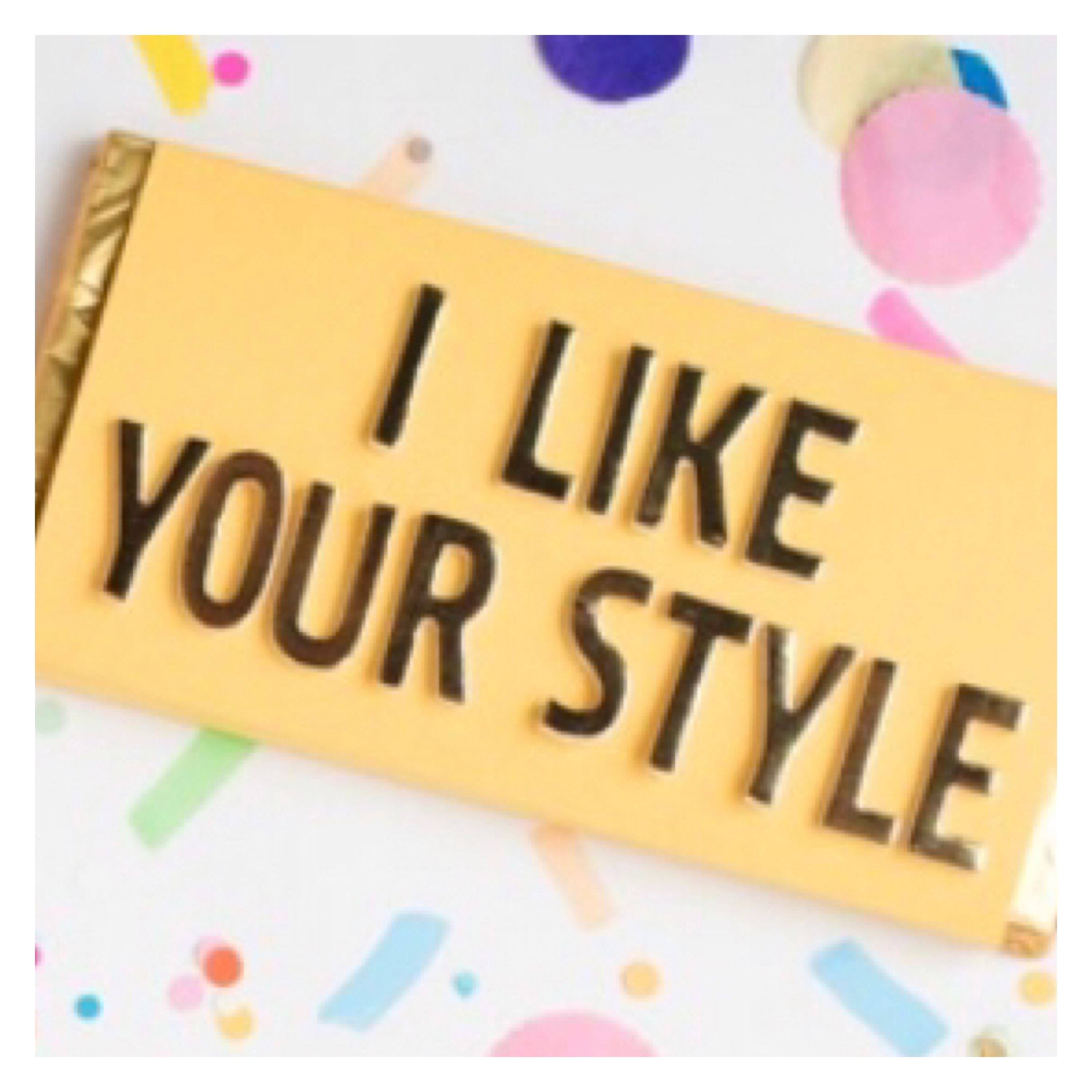 Pin badge with I like you style on confetti background