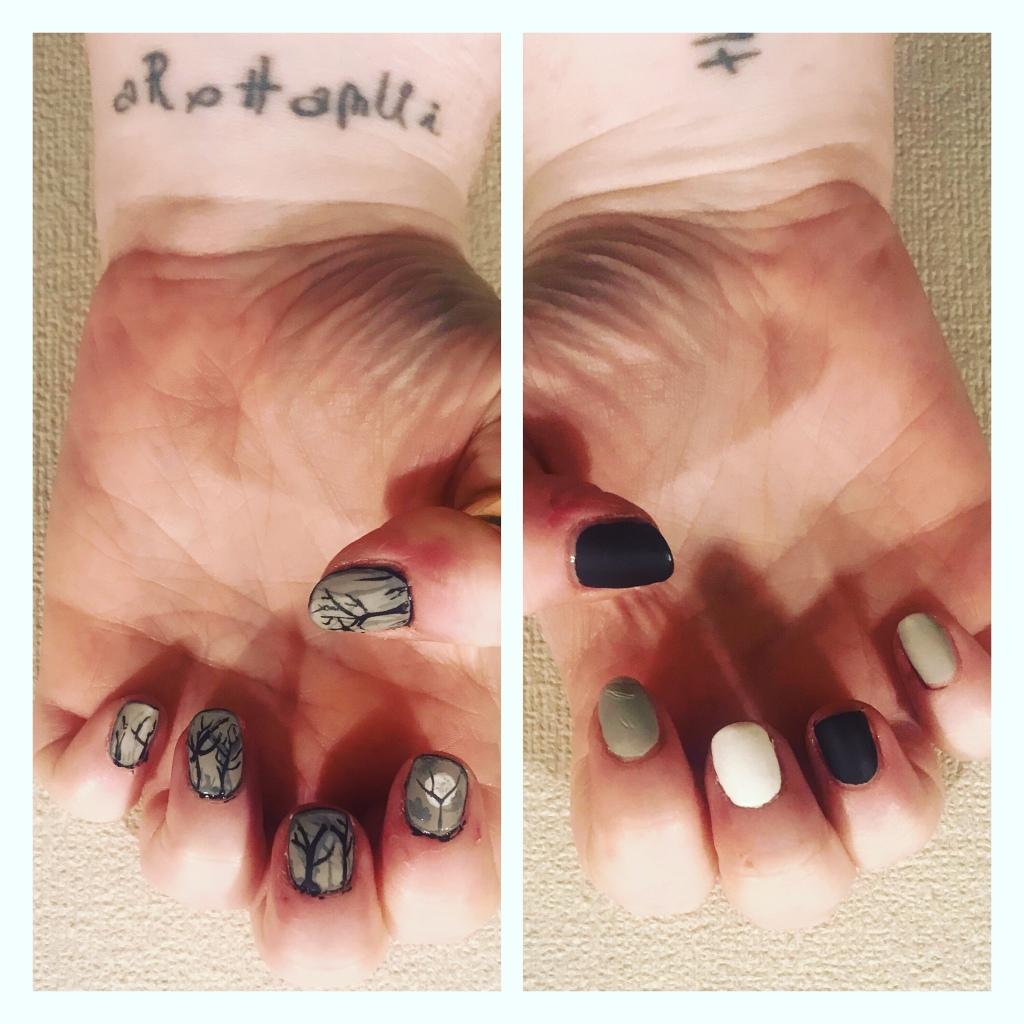 Matte spooky Forrest nail art