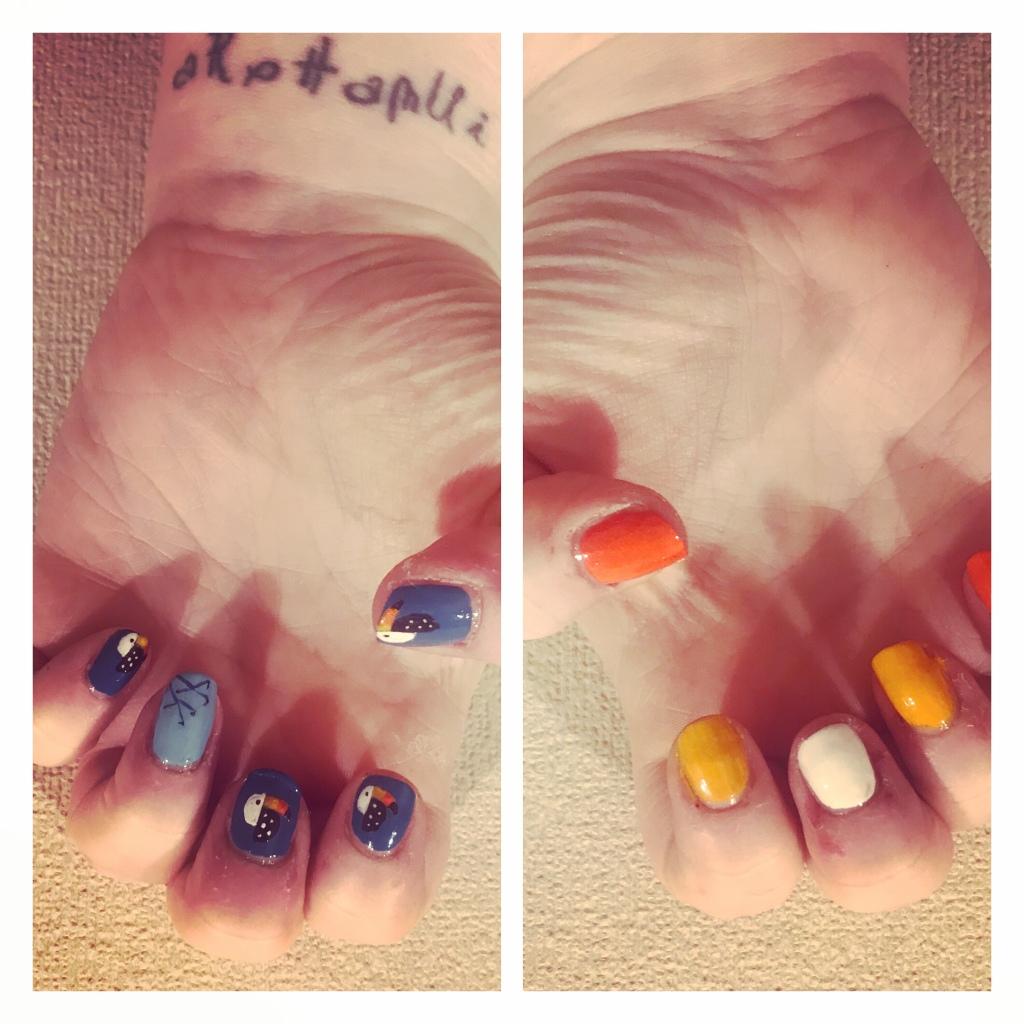 Toucan nail art